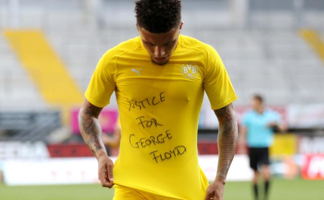Jadon Sancho zahteva pravico. FOTO: Reuters
