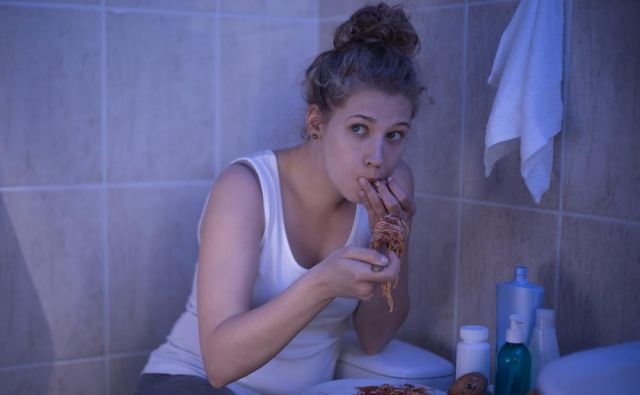 motnje hranjenja FOTO: Shutterstock