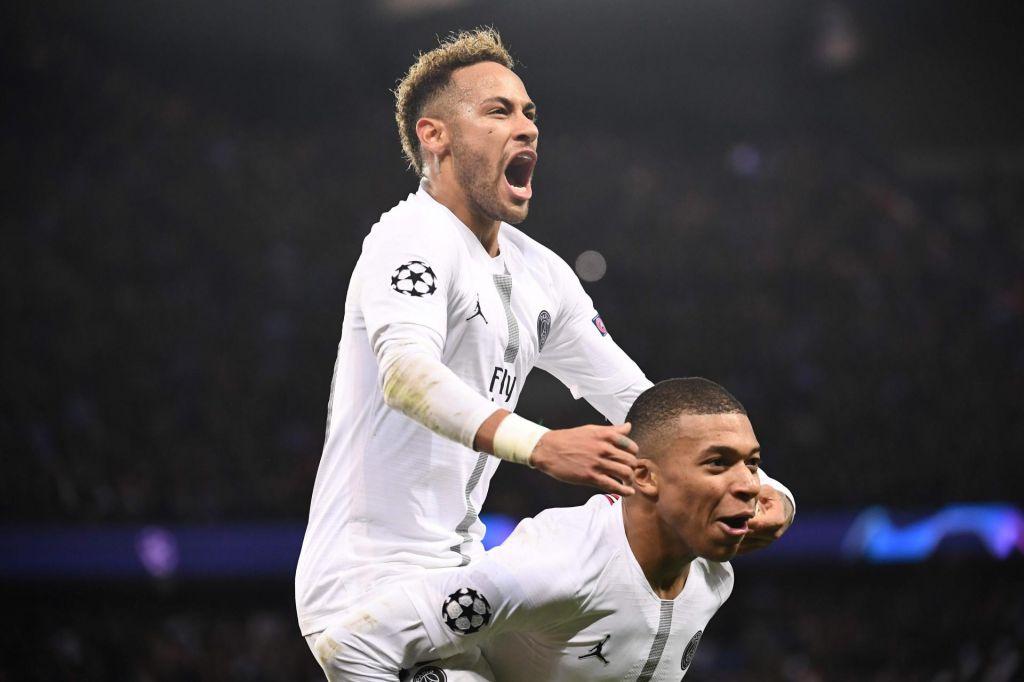 Francija: Odpoved nogometne lige vladni strel v koleno
