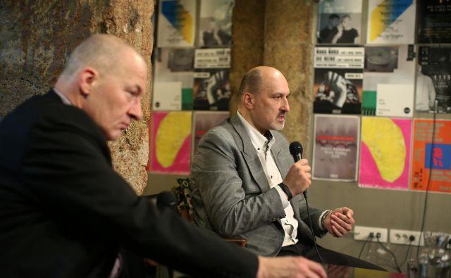 Delova komentatorja Ali Žerdin in Janez Markeš FOTO: Jure Eržen/Delo