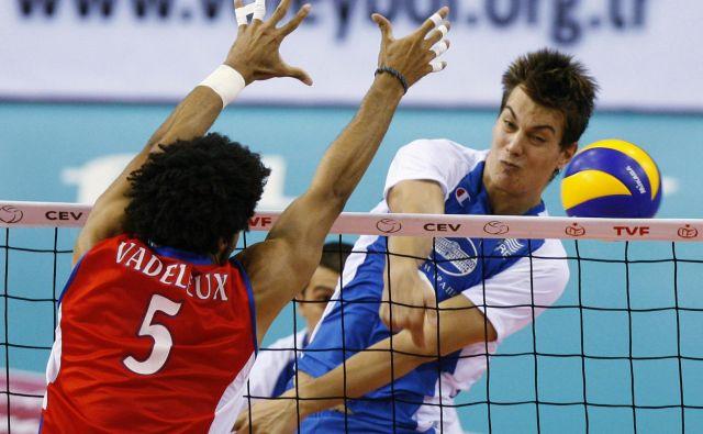 Kar 211 cm visoki korektor Mitar Đurić bo s svojimi izkušnjami pripomogel k še boljši podobi slovenskega serijskega prvaka ACH Volley. FOTO: Reuters