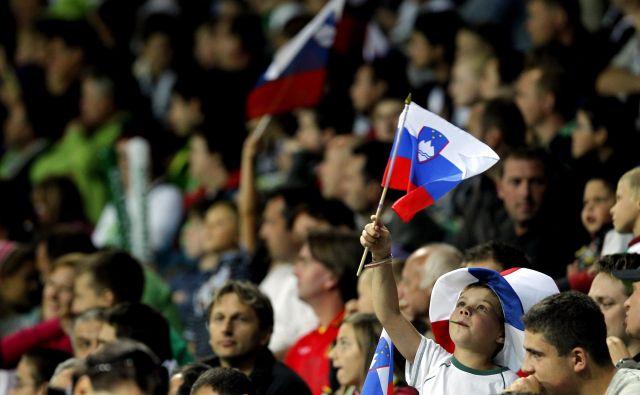 Obisk gledalcev pomeni del prihodkov za številne športne klube in panožne zveze v Sloveniji. V prihodnjih mesecih ne bo mogoče realno računati na prihodke od prodaje vstopnic in različnih artiklov v času tekem. FOTO: Matej Družnik