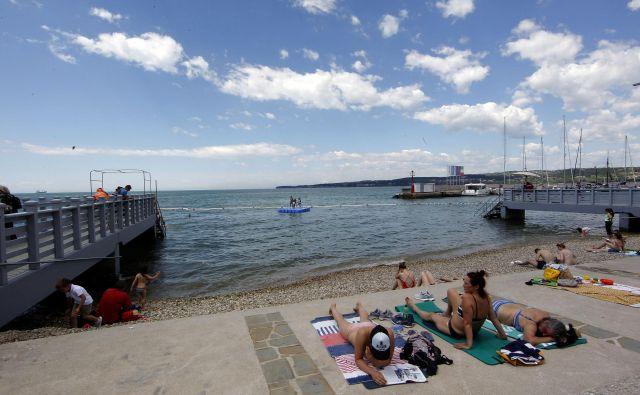 Letos se bo izjemoma sezona tudi na obali začela istočasno kot drugje. FOTO: Mavric Pivk