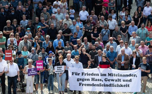 Množični zbor po umoru Walterja Lübckeja junija 2019. Foto: AFP