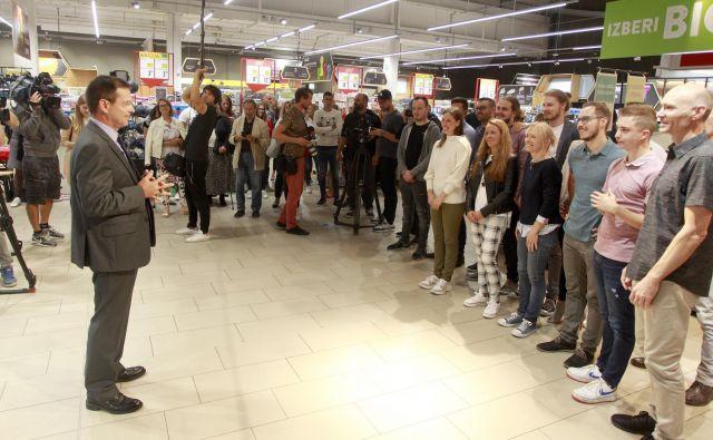 Udeleženci četrte sezone so bili polni pričakovanj ob premiernem vstopu na trgovske police. FOTO Roman Šipić/Delo