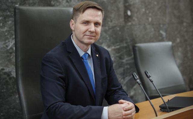 Do sekunde natančno lahko izmerimo, da je imela opozicija v parlamentu bistveno več besede kot koalicija, omejevanja demokracije ni, trdi Igor Zorčič, predsednik državnega zbora.