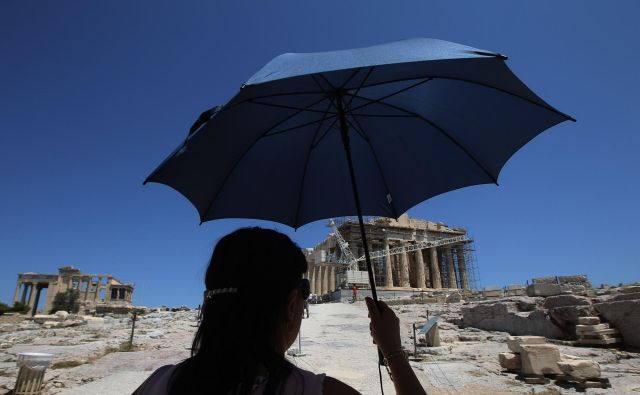 Turisti bodo lahko potovali po Evropi, a gotovo jih bo manj kot v preteklih letih, tudi v Grčiji. FOTO: Reuters