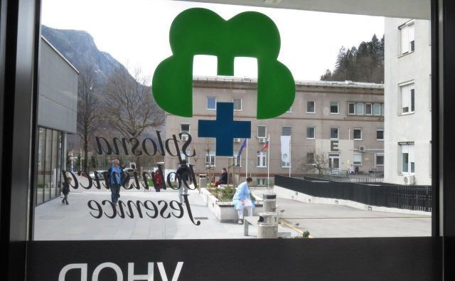 Splošna bolnišnica Jesenice FOTO: Blaž Račič/Delo