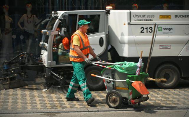 Manj komunalnih vozil bo tišjih in brez emisij. FOTO: Jure Eržen/Delo