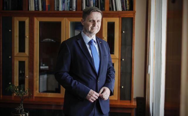 »Janševo vabilo k sodelovanju je poskus oblikovanja neke širše volje pri sprejemanju posameznih odločitev, s katero bi se pridobila širša legitimnost, ki pa ga opozicija v tem razgretem političnem ozračju žal ni sprejela,« Igor Zorčič, predsednik državnega zbora. FOTO:Uroš Hočevar