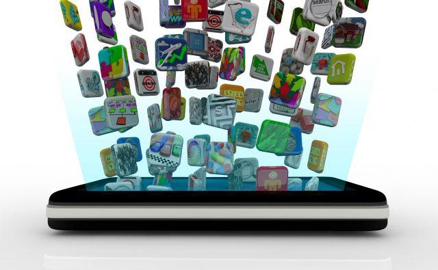 V povprečju vsak lastnik telefona dnevno uporabi deset aplikacij. V neskončni poplavi programov je veliko nesmiselnih, brez nekaterih pa skoraj ne moremo več živeti.Foto Shutterstock