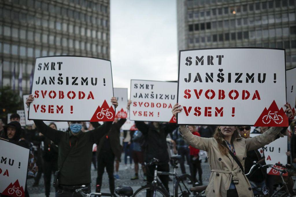 FOTO:Popisane ulice in protestniki