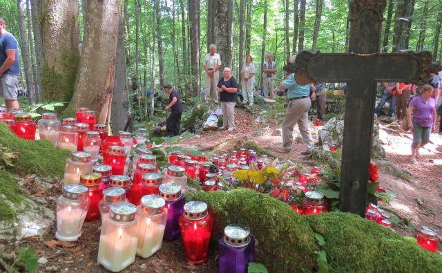 Spominske slovesnosti v Kočevskem Rogu potekajo že tradicionalno. FOTO: Rajšek Bojan