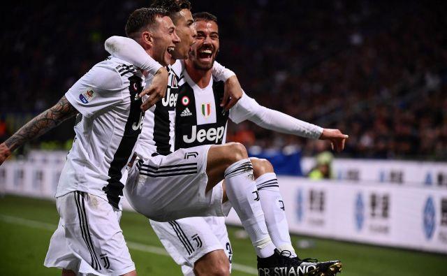 Pred nadaljevanjem italijanskega prvenstva so na vrhu lestvice nogometaši Juventusa iz Torina. FOTO: AFP