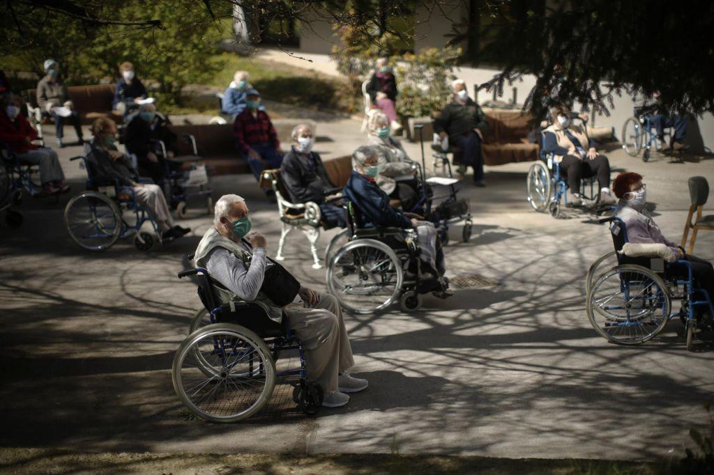 Oskrbo starejših in ranljivih skupin je treba urediti takoj