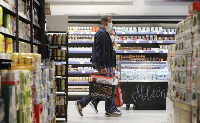 Trgovine zaradi preventivnih ukrepov širjenja okužb ob nedeljah še vedno ostajajo zaprte, prodajalci pa zdaj navajajo svoje argumente proti nadaljnjemu zaprtju. FOTO: Leon Vidic/Delo