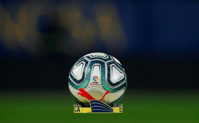 Konec tedna bodo oživela tudi nogometna igrišča v Španiji. FOTO: Reuters