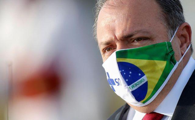 Vršilec dolžnosti ministra za zdravje Eduardo Pazuello je sicer še aktivni vojaški general. FOTO: Adriano Machado/Reuters