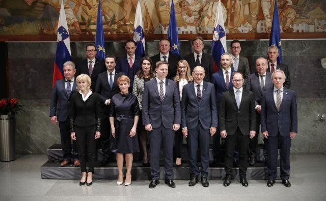 Upoštevati je treba predvsem, kdaj in kako v interesu Slovenije realizirati zahtevne zadeve, ne pa v tem času razmišljati o predčasnih volitvah. Foto Uroš Hočevar