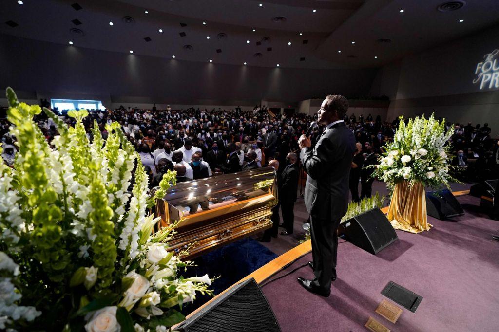 FOTO:V Houstonu pokopali Georgea Floyda