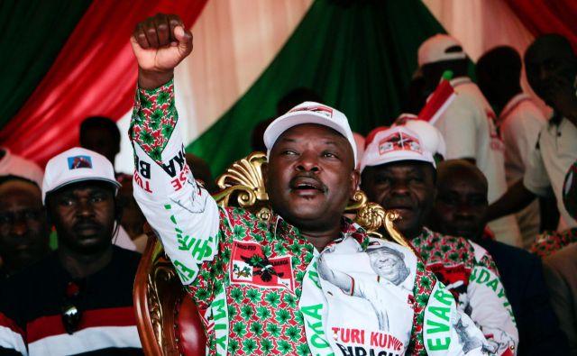 Na oblasti je bil od leta 2005 in čeprav od poletja ne bi bil več predsednik, bi Pierre Nkurunziza gotovo ohranil precej vpliva. FOTO: AFP