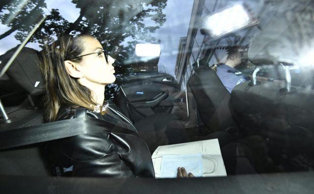Gospa, ki so jo imenovali partijska kraljica, je bila včeraj še vedno v zaporu.FOTO: Ronald Gorsic/Cropix
