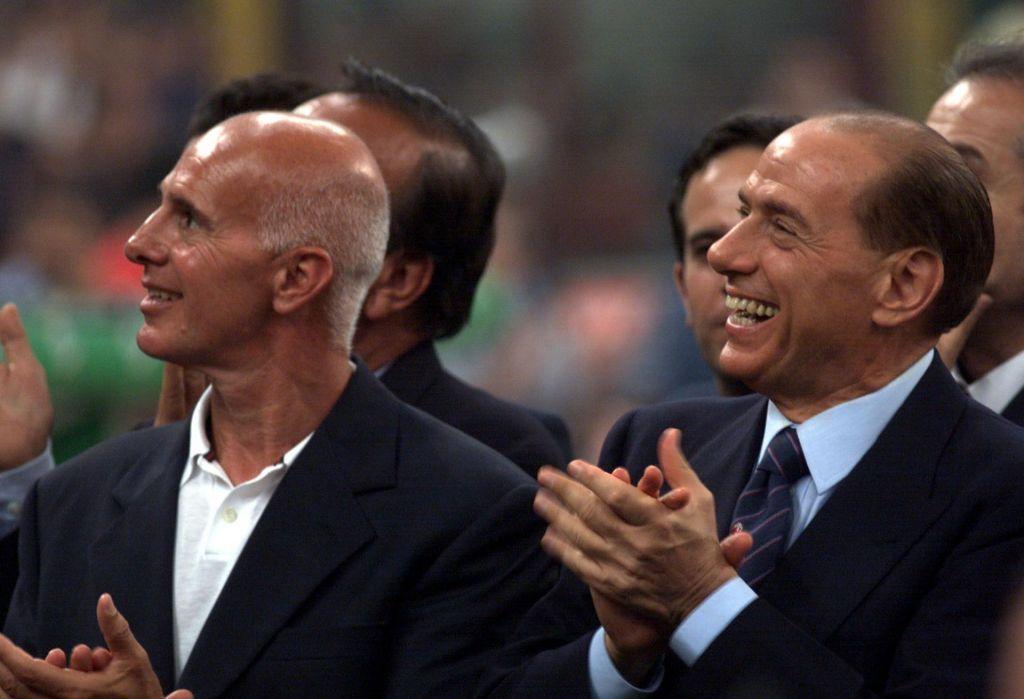 Državljan Silvio Berlusconi je zaljubljen in srečen