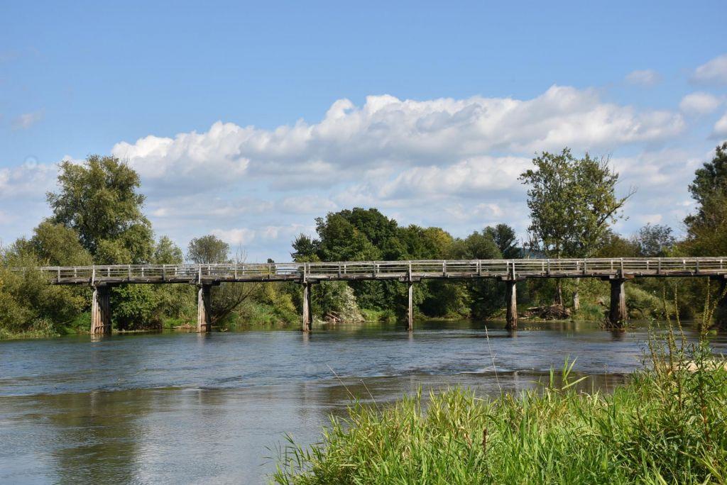 Stoletni leseni most v Cerkljah pri Krki bodo obnovili