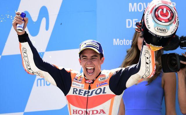 Španski motociklist Marc Marquez je zanesljivi vladar najmočnejšega razreda motoGP in bo julija začel pohod proti sedmemu naslovu svetovnega prvaka na domačih tleh v Jerezu. FOTO: AFP