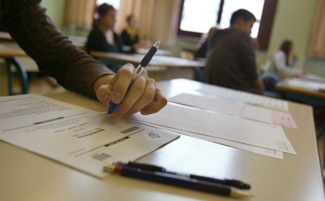 Če bi kdo imel maturitetno izpitno polo pred samim izpitom, bi si verjetno zlahka zagotovil dobro oceno. FOTO: Jure Eržen/Delo
