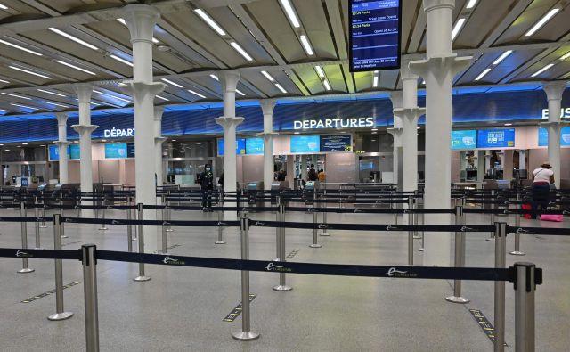 Na letališčih in železnških postajah bo kmalu več prometa. FOTO: Justin Tallis/AFP