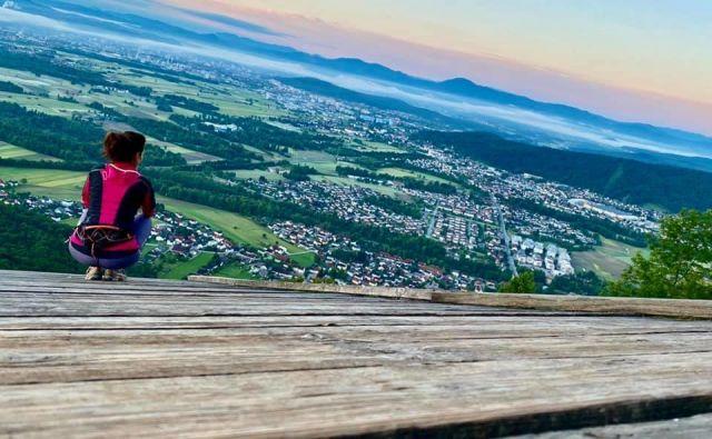 Na balkonu. FOTO: Betka Šuhel Mikolič