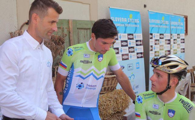Selektor Andrej Hauptman (levo, ob njem Primož Roglič in Matej Mohorič) se nadeja, da bo lahko pripravil še kakšen skupni trening slovenskih reprezentantov, ki si kruh služijo v ekipah svetovne serije. FOTO: Mavric Pivk/Delo