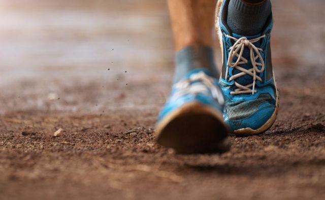 Pri nekaterih bolečinah v hrbtu je žal tako, da bi hoja lahko še poslabšala stanje ali povzročila preveč bolečine, da bi ljudje s takimi bolečinami lahko hodili.FOTO: Shutterstock