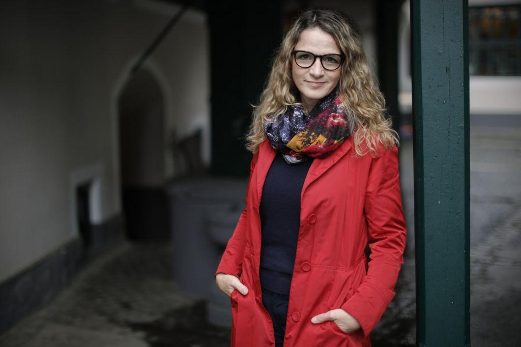 Bronja Žakelj: Živimo v družbi, ki ji vlada teror pozitivnosti
