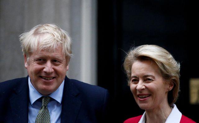 Britanski premier Boris Johnson in predsednica evropske komisije Ursula von der Leyen sta se v živo nazadnje srečala januarja letos v Londonu. Foto: REUTERS/Henry Nicholls