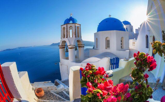 Santorini je eden najlepših grških otokov. FOTO: Adobe Stock