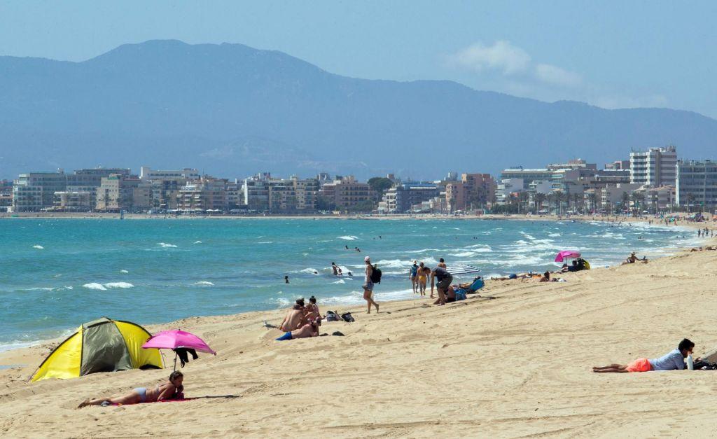 FOTO:Nemški turisti se vračajo v Španijo
