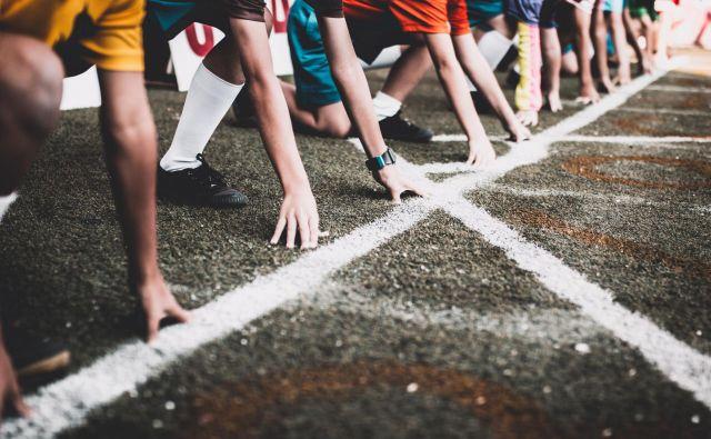 Poletne mesece športne organizacije večinoma izkoristijo za organizacijo aktivnosti, ki ustvarijo določen prihodek, a letos tega ne bo mogoče storiti v želeni meri zaradi predvidenih omejitev in splošnega zmanjševanja množičnih aktivnosti. FOTO: Shutterstock