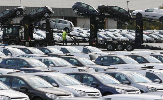 Prodaja avtomobilov v Evropi je bila maja več kot za polovico manjša kot lani, najbolj je med velikimi trgi trpela Velika Britanija. FOTO: Phil Noble/Reuters