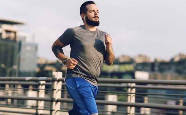 Kaj pa je potem pot do zdravja? Noro tekanje naokoli ali mučenje samega sebe z različnimi telovadbami, sam ali v kakšni združbi?FOTO: Shutterstock