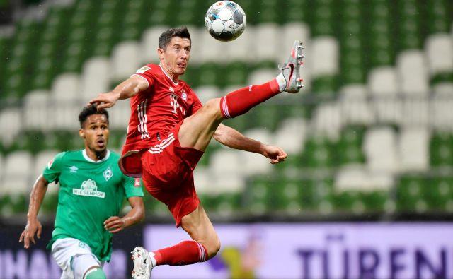Veliko zaslug za novo končno zmagoslavje münchenskega Bayerna ima vsekakor poljski ostrostrelec Robert Lewandowski. FOTO: Reuters