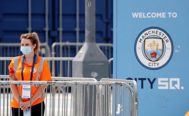 V Manchestru so veljali strogi zdravstveni ukrepi. FOTO: Reuters