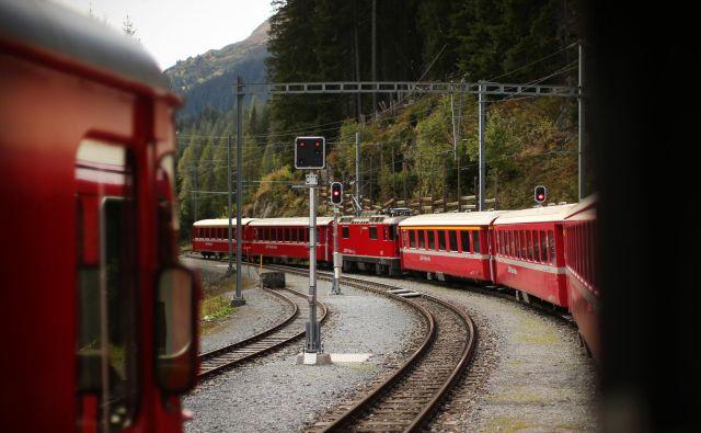 Prenos Slovenskih železnic na demografski sklad bo vse prej kot ravna cesta. Foto Jure Eržen