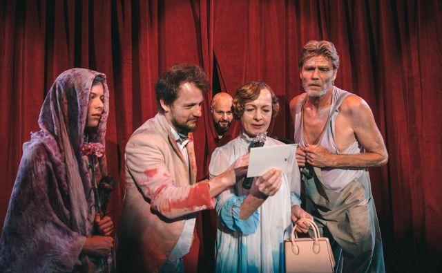 Mia Skrbinac, Jernej Gašperin, Jaka Lah, Bernarda Oman in Boris Kerč. FOTO: Peter Giodani