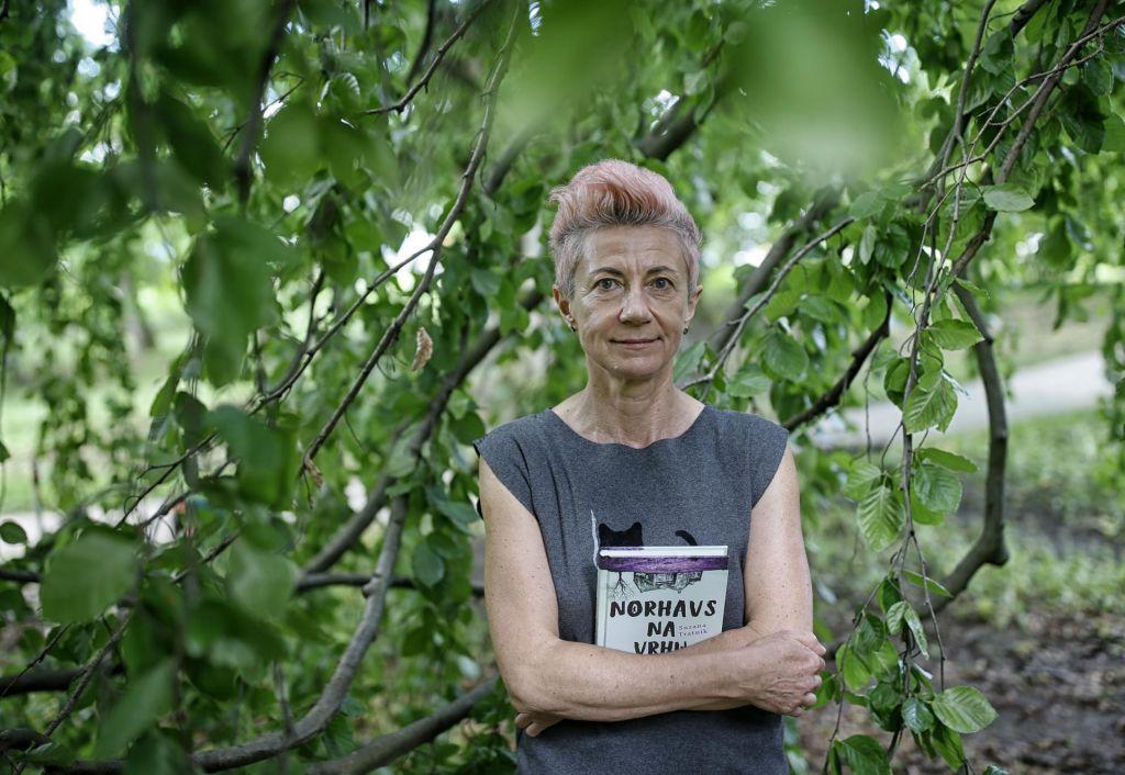 FOTO:Suzana Tratnik - Biti nor ni bolezen, je lahko tudi stališče