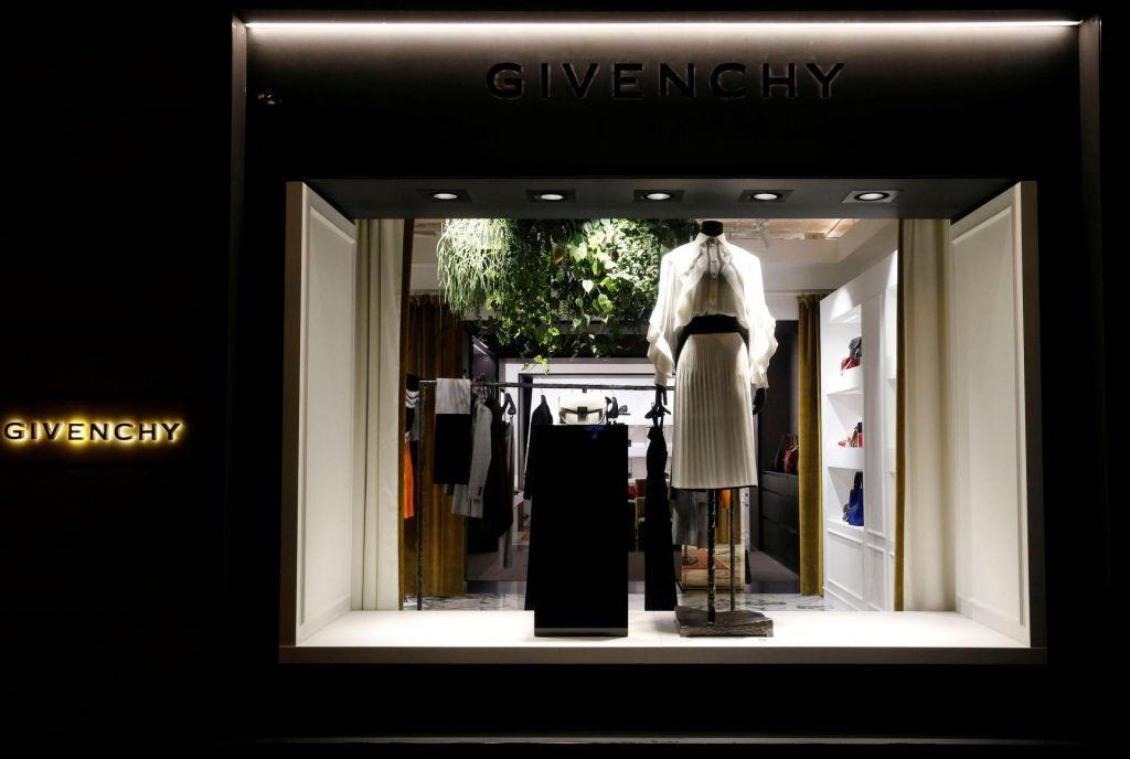FOTO:Novo štetje za Givenchy