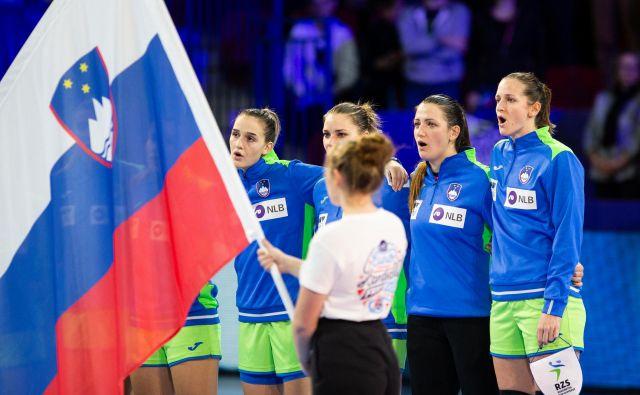 Slovensko žensko rokometno reprezentanco čaka na letošnjem evropskem prvenstvu na Danskem in Norveškem težko delo. FOTO: Jure Eržen
