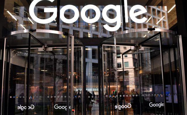 Velika tehnološka podjetja, kot so Google, Facebook, Apple, Amazon in Microsoft, se v nekaterih evropskih državah spretno izmikajo plačevanju davkov. FOTO: Ben Stansall/AFP