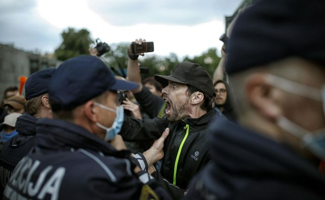 Protivladni kolesarski protesti v Ljubljani. FOTO: Blaž Samec